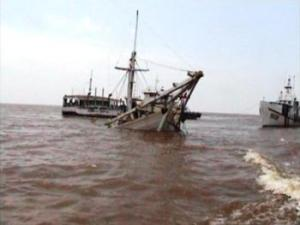 kapal, tabrakan, kecelakaan, pontianak, jungkat
